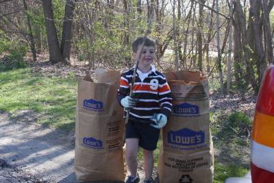 young Earth Day volunteer